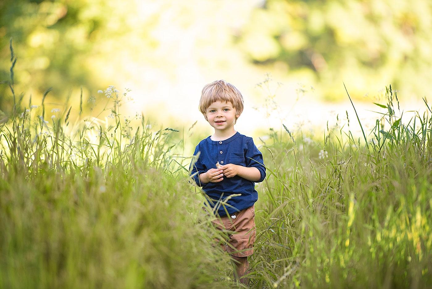 Outdoor children photographer in Dorset