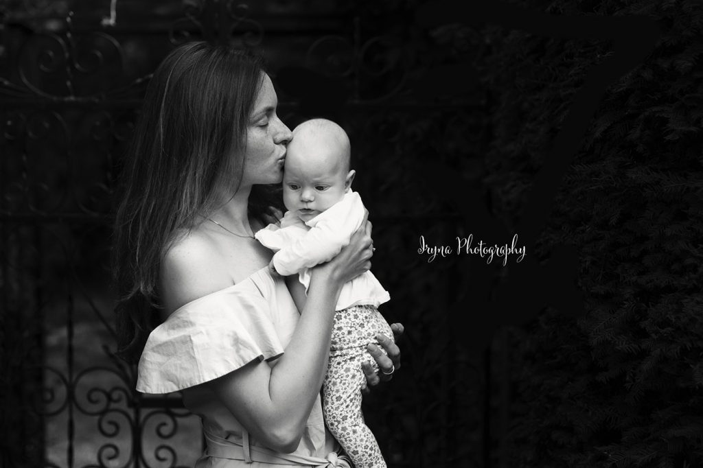 Maternity photographer in Poole and Bournemouth